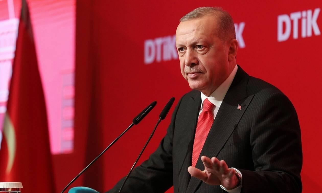 Τον χαβά του ο Ερντογάν: Διαβεβαιώνει ότι θα συνεχίσει το αιματοκύλισμα στη Συρία