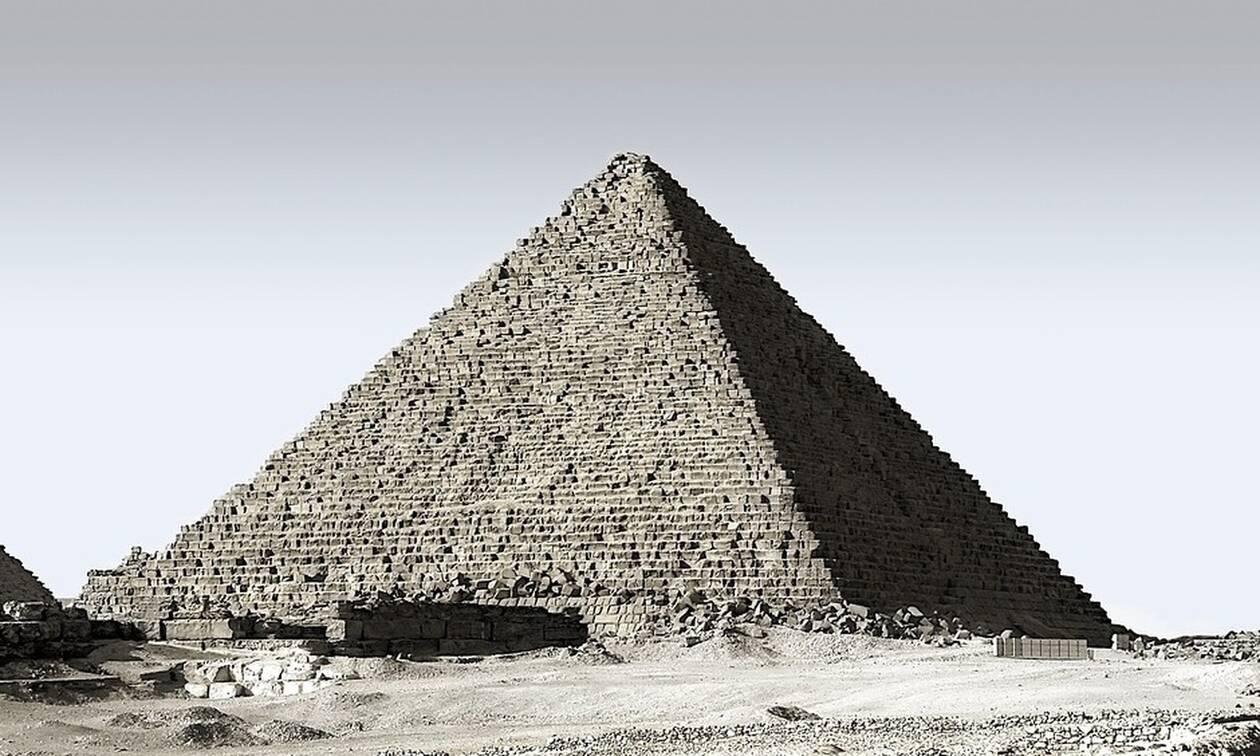 Δέος: Αρχαιολόγοι έφεραν στο φως 20 σαρκοφάγους (pics)