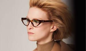 Η Max Mara είναι μια γυναίκα τολμηρή και αυτό αποτυπώνεται στη νέα συλλογή γυαλών της