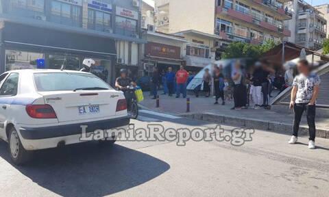 Λαμία: Άγριο ξύλο στην κεντρική πλατεία - Τρομοκρατημένοι οι κάτοικοι