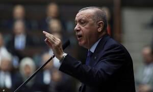 Παράφρων και φοβισμένος ο Ερντογάν: Προκάλεσε τον Τραμπ και μετά τα… γύρισε – Θα δει Πενς και Πομπέο