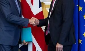 Brexit: Ραγδαίες εξελίξεις - Μία «ανάσα» πριν από την ιστορική συμφωνία