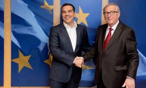 Τσίπρας σε Γιούνκερ: Να αρχίσουν οι ενταξιακές διαπραγματεύσεις με τα Σκόπια