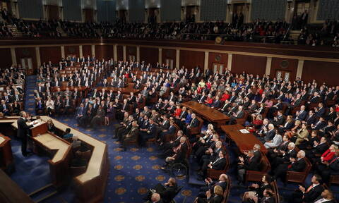 ΗΠΑ: H Βουλή καταδικάζει την απόσυρση των αμερικανικών στρατευμάτων από τη Συρία