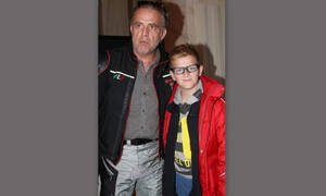 Πασχάλης Τσαρούχας: Δεν θα πιστεύεις πόσο μεγάλωσε ο γιος του – Είναι ένας κούκλος (Photos)