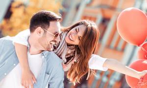 Πώς να παραμείνετε ερωτευμένοι ενώ είστε γονείς