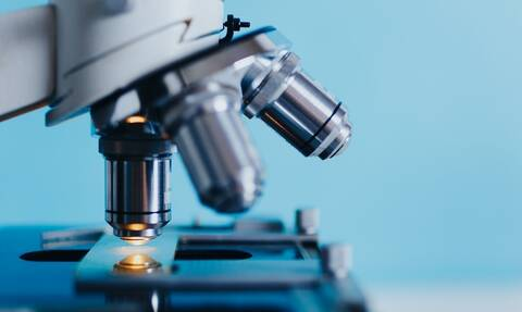 Έρευνα: Φόβος και άγνοια του κοινού για τις κλινικές μελέτες