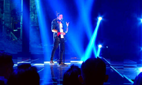 X Factor: Τα κοντινά που μας τρέλαναν! Ποιος ακούει το τραγούδι όταν βλέπει τον Γιώργο Παπατσάκωνα;
