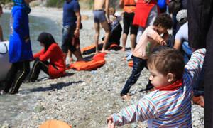 Προσφυγικό: Μετακινούνται στην ενδοχώρα 1.000 πρόσφυγες από τα νησιά