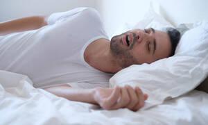 Υπνική άπνοια: Τι πρέπει να γνωρίζετε (video)