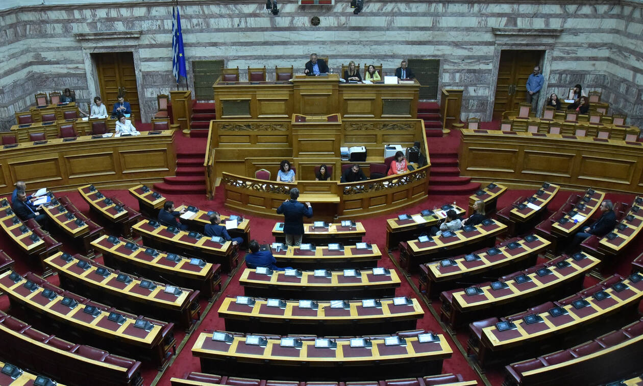 Ψήφος αποδήμων: Στα χέρια των κομμάτων η πρόταση τεσσάρων σημείων της κυβέρνησης
