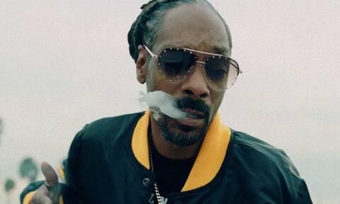 Ο Snoop Dogg έχει προσλάβει υπάλληλο για να του στρίβει τσιγάρα με ΜΥΘΙΚΗ αμοιβή! (vid)