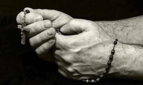Έρχεται το «έξυπνο» κομποσκοίνι που θα σου υπενθυμίζει να προσεύχεσαι (photos)