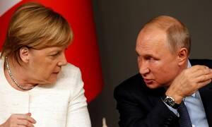 Τηλεφωνική επικοινωνία Πούτιν - Μέρκελ για Συρία, Ουκρανία και Λιβύη