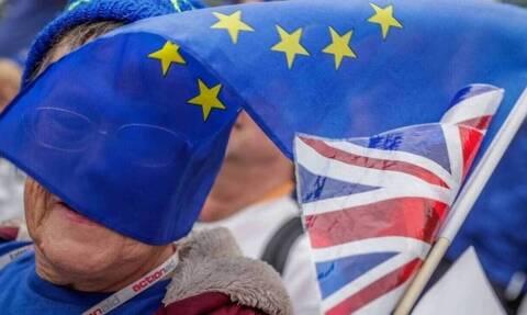 Βρετανία: Η ΕΕ θα δώσει παράταση στο Brexit μέχρι τον Φεβρουάριο αν δεν επικυρωθεί άμεσα η συμφωνία