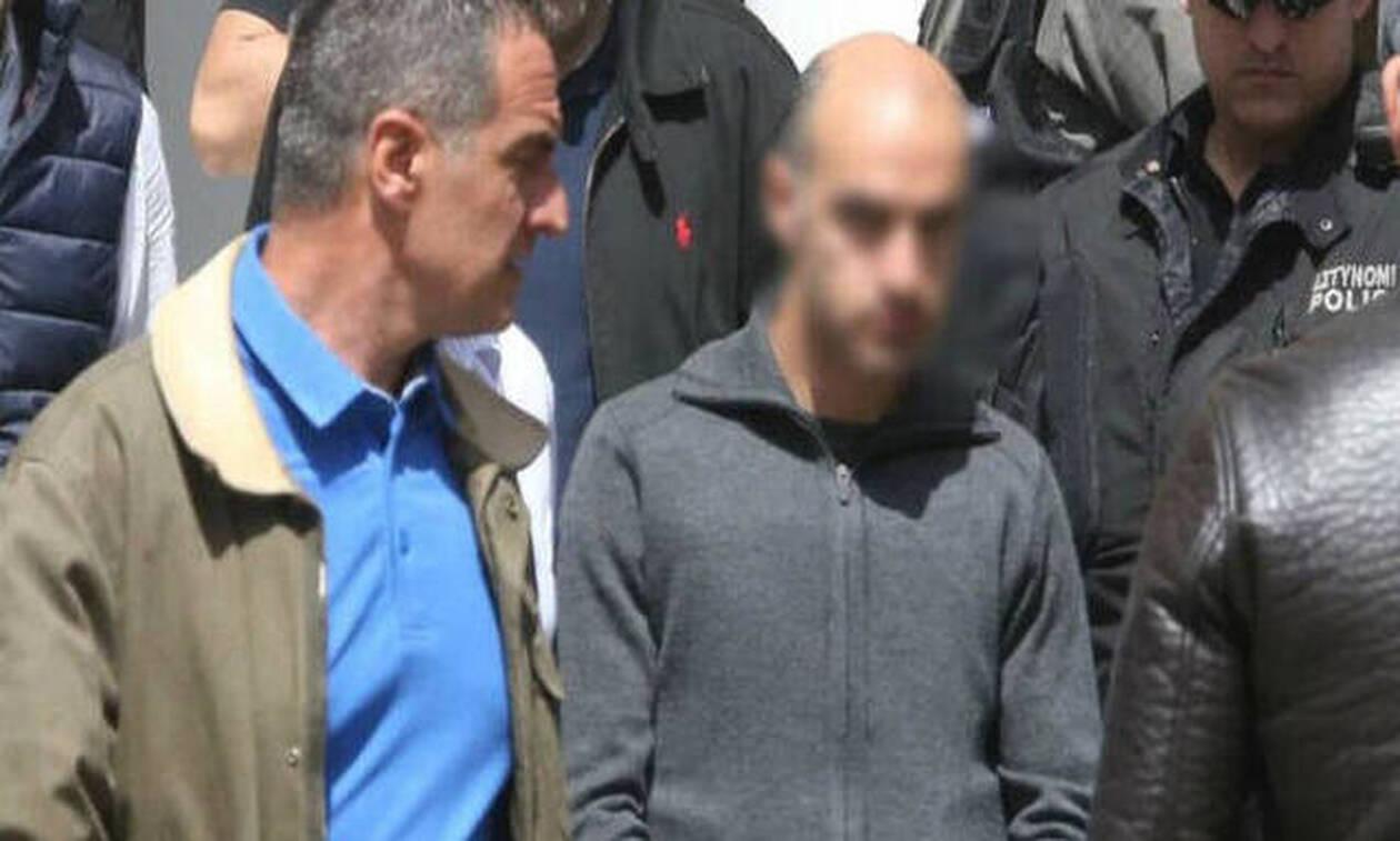 Συναγερμός στην Κύπρο: Βαλίτσες έξω από το σπίτι του serial Killer