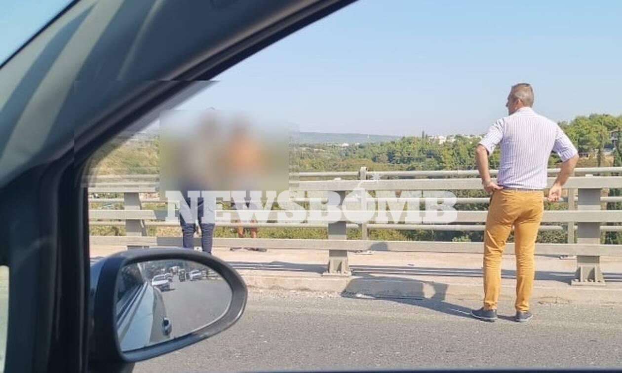 Αίσιο τέλος στο θρίλερ με άνδρα στην πεζογέφυρα της Κύμης - Προσπάθησε να διαφύγει με ταξί!