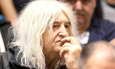 Νίκος Καρβέλας: Δεν φαντάζεστε πόσο χρονών είναι! (pics)