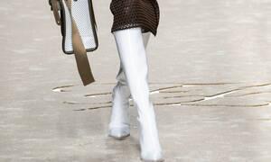Κι όμως, οι λευκές μπότες είναι το super trend του φετινού χειμώνα