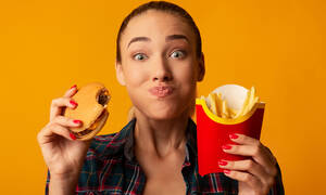 Πεινάτε διαρκώς; Δείτε 4 πιθανές αιτίες (αιτίες)