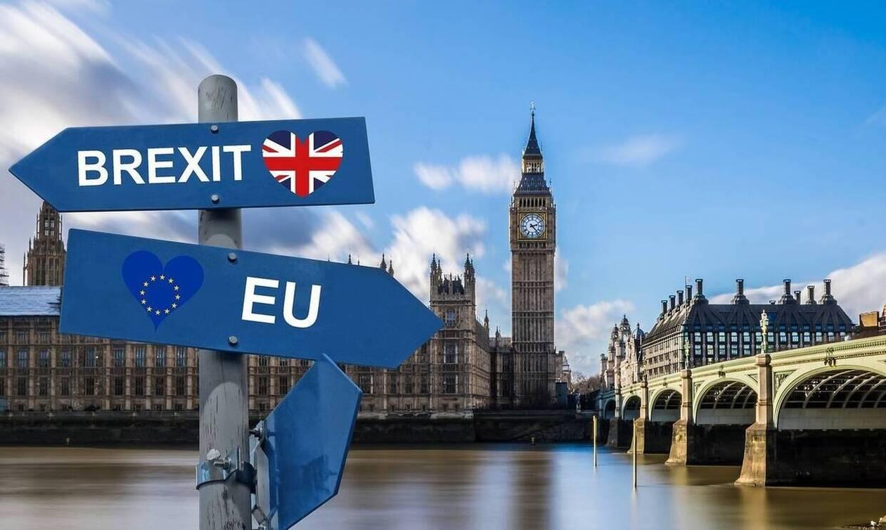 Brexit: Δραματικές εξελίξεις στη Βρετανία - «Ναι» στη συμφωνία «όχι» στο χρονοδιάγραμμα