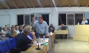 Χαλασμός στο δημοτικό συμβούλιο Μεσολογγίου - Η ατάκα για τη «μπανιέρα» και οι αποχωρήσεις