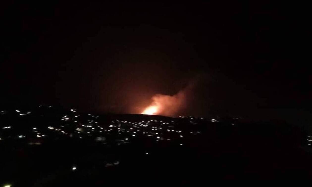 Φωτιά Πόρτο Ράφτη: Δραματικές στιγμές για τους κατοίκους – Καταβρέχουν τα σπίτια τους