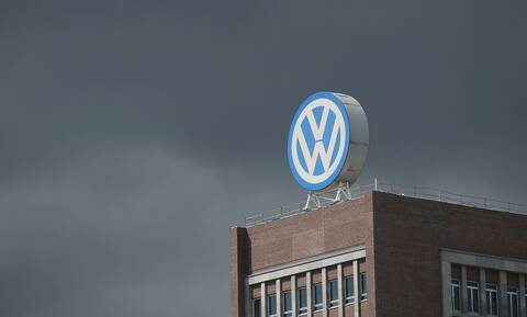 H VW δεν εγκαταλείπει το εργοστάσιο στην Τουρκία