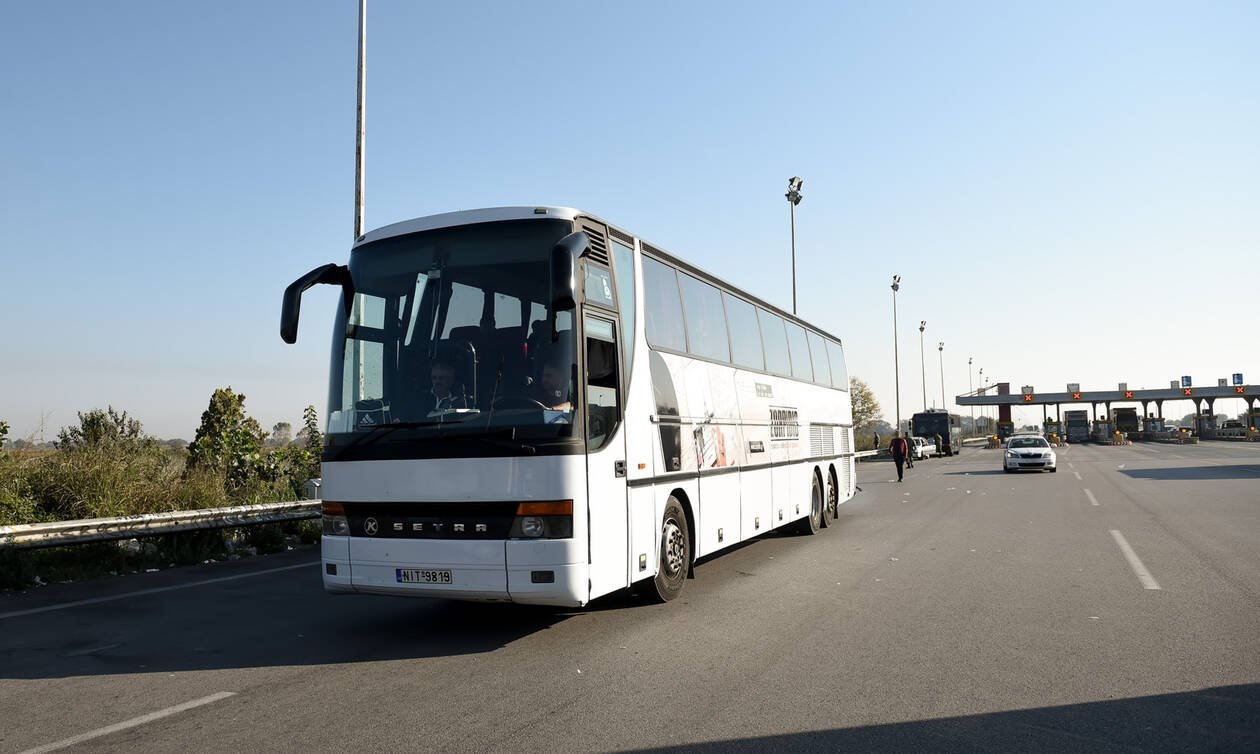 Στην Εύβοια οι μετανάστες από τη Σάμο που εκδιώχθηκαν από τα Βρασνά (pics&vid)