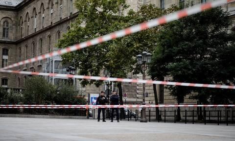Λήξη συναγερμού στη Γαλλία: Συνελήφθη ο άνδρας που είχε «ταμπουρωθεί» σε μουσείο