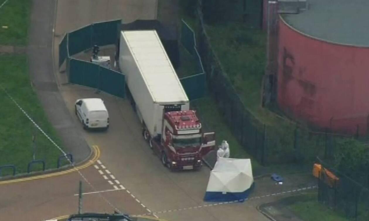 Βρετανία: Σοκάρουν οι εικόνες από τη νταλίκα του τρόμου – Εντοπίστηκαν 39 πτώματα (pics+vids)