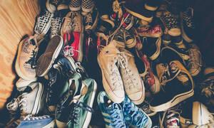 Μυρίζουν τα παπούτσια σου; 10 τρόποι να το σταματήσεις