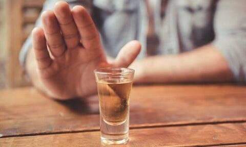 Τρομερό: Δες τι παθαίνουν όσοι κόβουν το αλκοόλ!