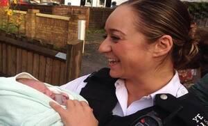 Сотрудница полиции кипрского происхождения приняла роды в центре Лондона
