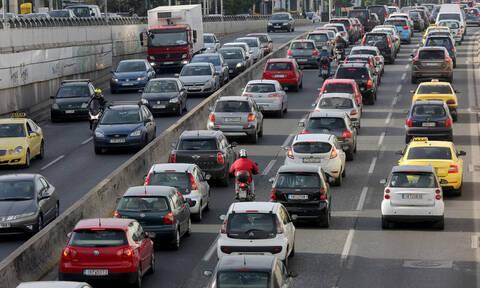 «Κόλαση» ΤΩΡΑ ο Κηφισός: Μεγάλο μποτιλιάρισμα μετά από ανατροπή φορτηγού