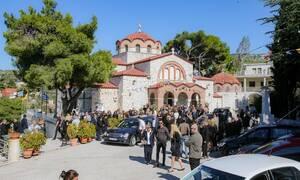 Κηδεία Σοφίας Κοκοσαλάκη: Απέραντη θλίψη στο τελευταίο «αντίο» στη διάσημη σχεδιάστρια μόδας (pics)