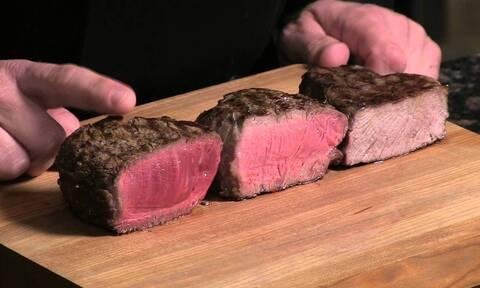 Tι είναι τελικά η κοκκινίλα στο άψητο κρέας αφού δεν είναι αίμα;