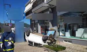 «Πάγωσαν» στην Τρίπολη - Ποδοσφαιριστής... τούμπαρε το αυτοκίνητο στο κέντρο της πόλης!