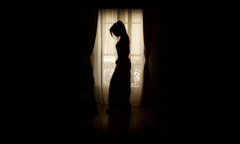 Από την εκκλησία σε ερωτικές ταινίες - Η εξομολόγηση του μοντέλου (pics+vid)
