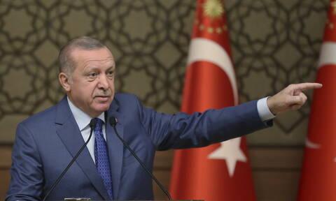 Ο Ερντογάν απαιτεί από τις ΗΠΑ να του παραδώσουν τον επικεφαλής των συριακών κουρδικών δυνάμεων