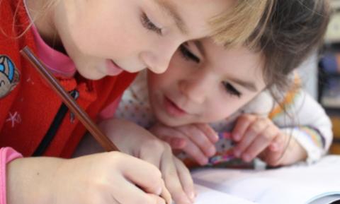 Προ των πυλών οι ιώσεις του χειμώνα – Τι πρέπει να γνωρίζουν οι γονείς