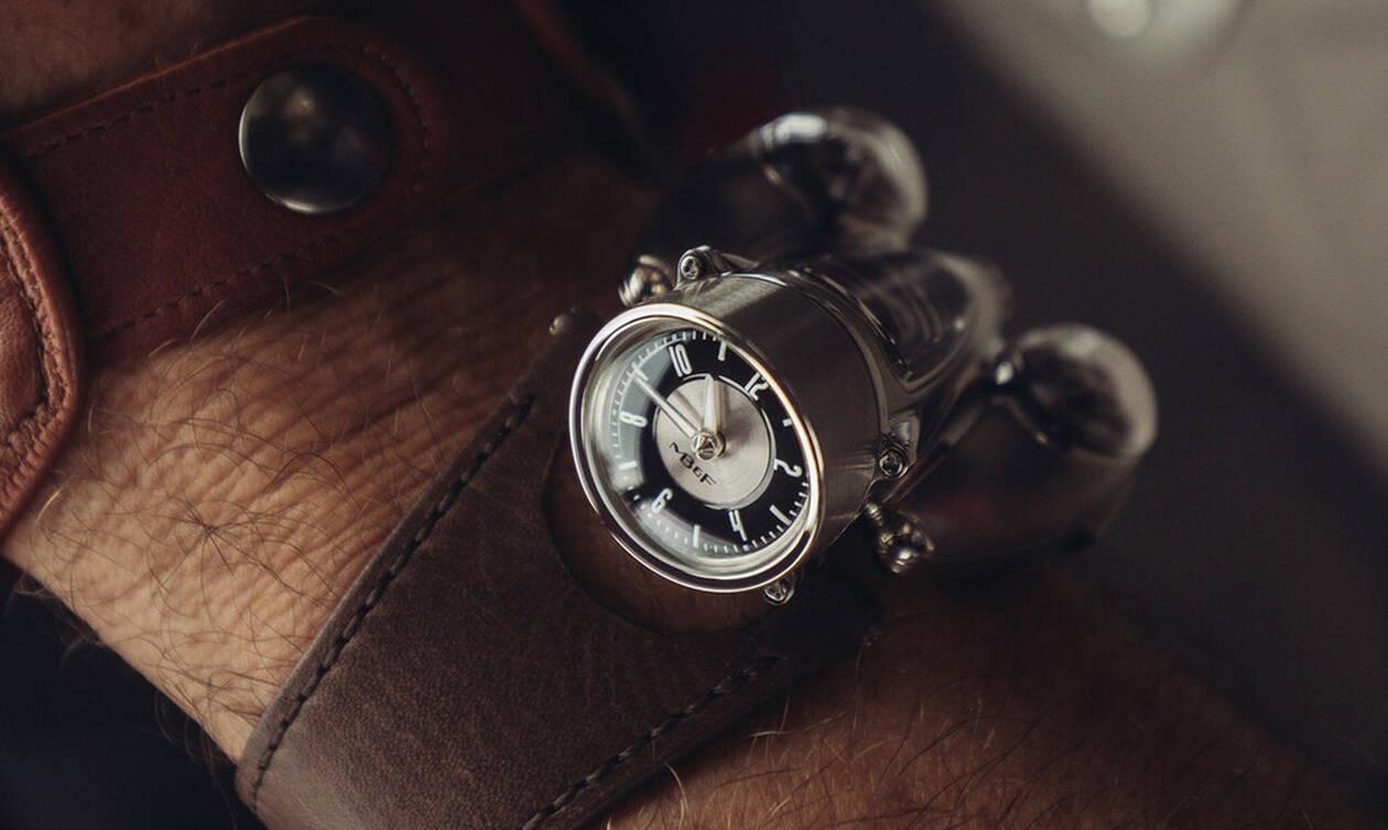 Ένα ρολόι εμπνευσμένο από κινητήρα αυτοκινήτου