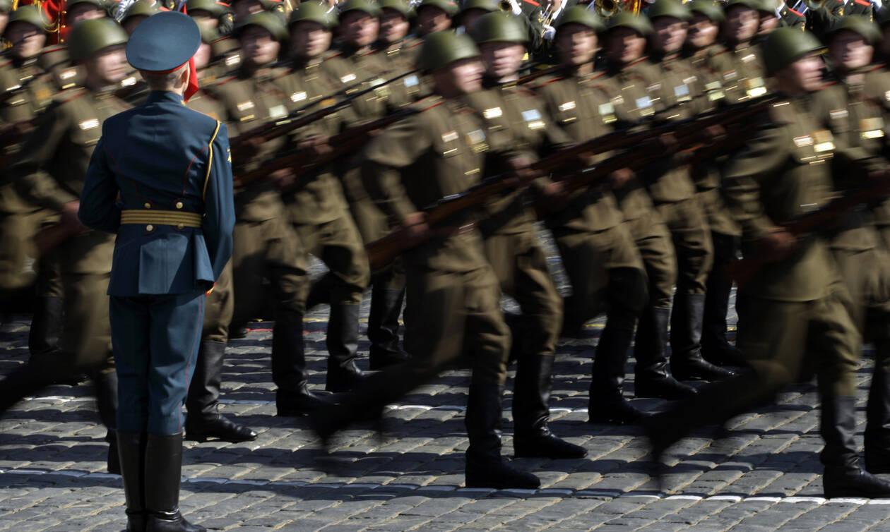 Μακελειό σε ρωσικό στρατόπεδο: Στρατιώτης με νευρικό κλονισμό «θέρισε» 8 συναδέλφους του