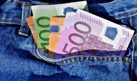 Αναδρομικά: Ποιοι θα δουν αυξήσεις έως και 120 ευρώ - Πότε θα πάρουν τα χρήματα