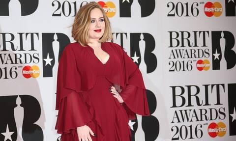 Η συγκλονιστική αλλαγή της Adele: Δείτε πώς έγινε μετά τον χωρισμό της (pics)