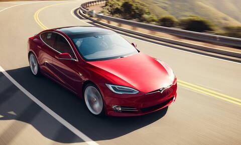 Οι κρυφές χειρολαβές του Tesla Model S αποδείχθηκαν παγίδα θανάτου