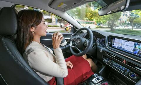 Η Hyundai ετοιμάζει το πρώτο cruise control Τεχνητής Νοημοσύνης