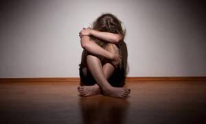 Σοκαριστικές αποκαλύψεις για τον ιερέα που κακοποιούσε τη 12χρονη: «Τον κάλυπτε η μητέρα της»