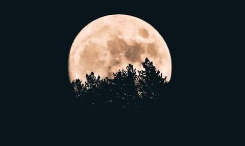 Λύθηκε η απορία: Γιατί η Σελήνη λέγεται και φεγγάρι;