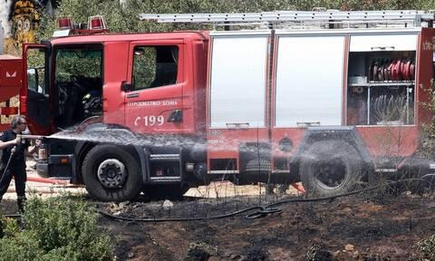 Ηράκλειο: Φωτιά σε εργοστάσιο ξυλείας - Στο νοσοκομείο ένας εργαζόμενος